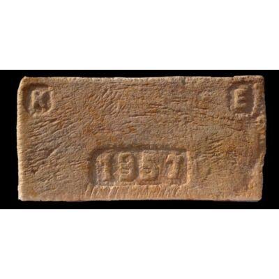 1957 mintájú címeres tégla